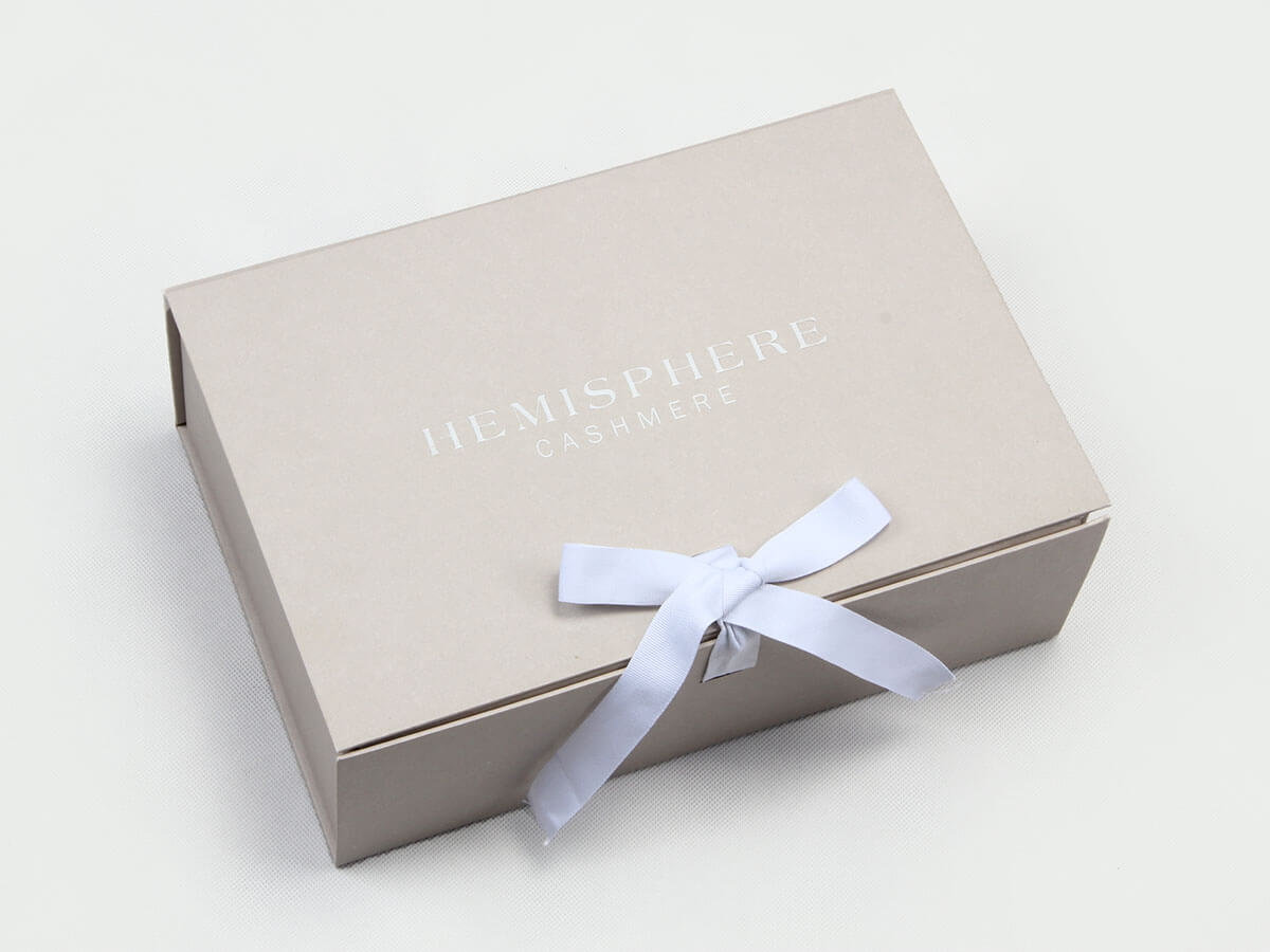 Upscale Garment Packaging Boxes With Ribbon