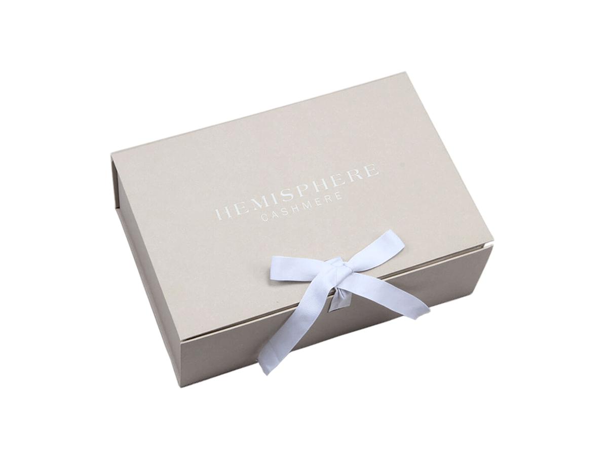 Luxury Rigid Folding Box with Magnetic&Ribbon Closure
