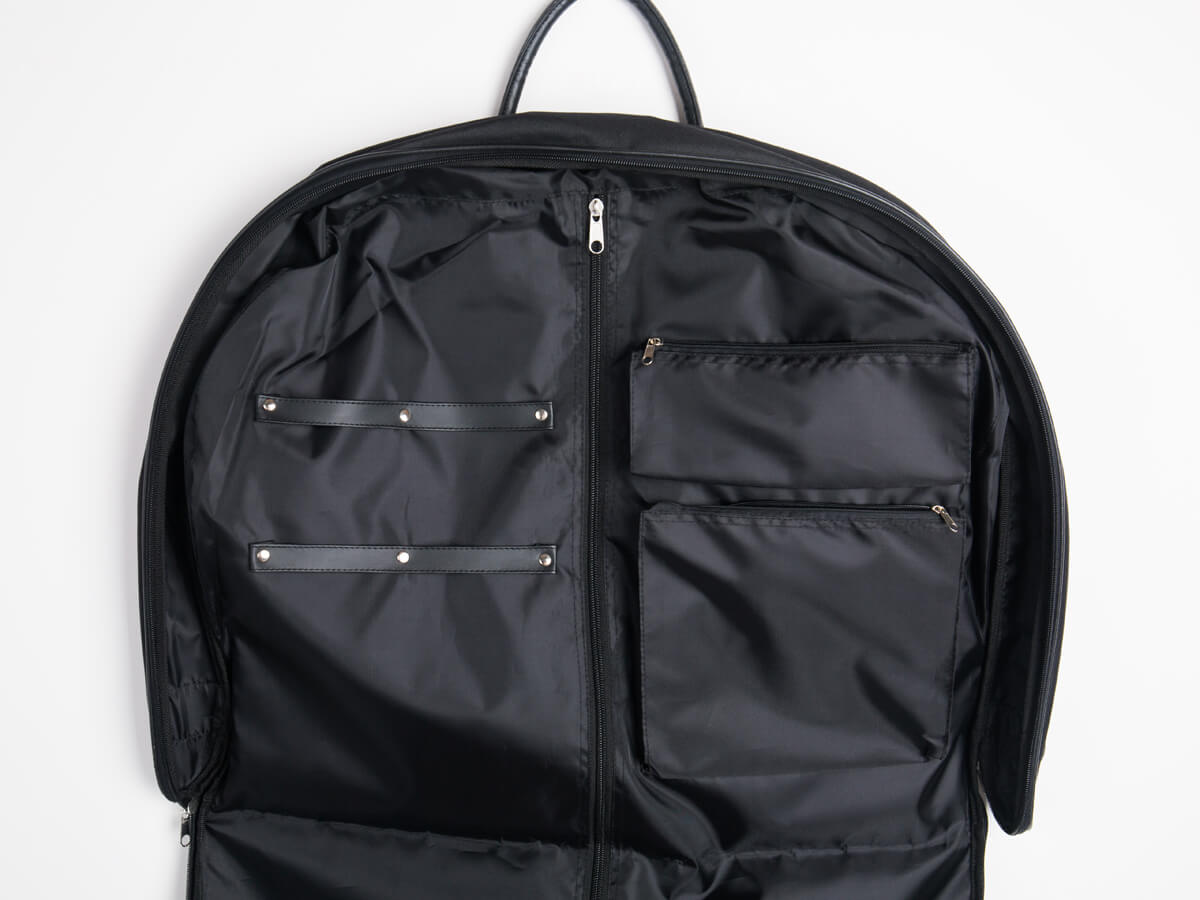 600D Polyester Garment Bag Zipper Detail