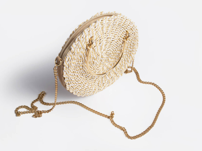Chain Handle Crossbody Paper Straw Bag Side Detail