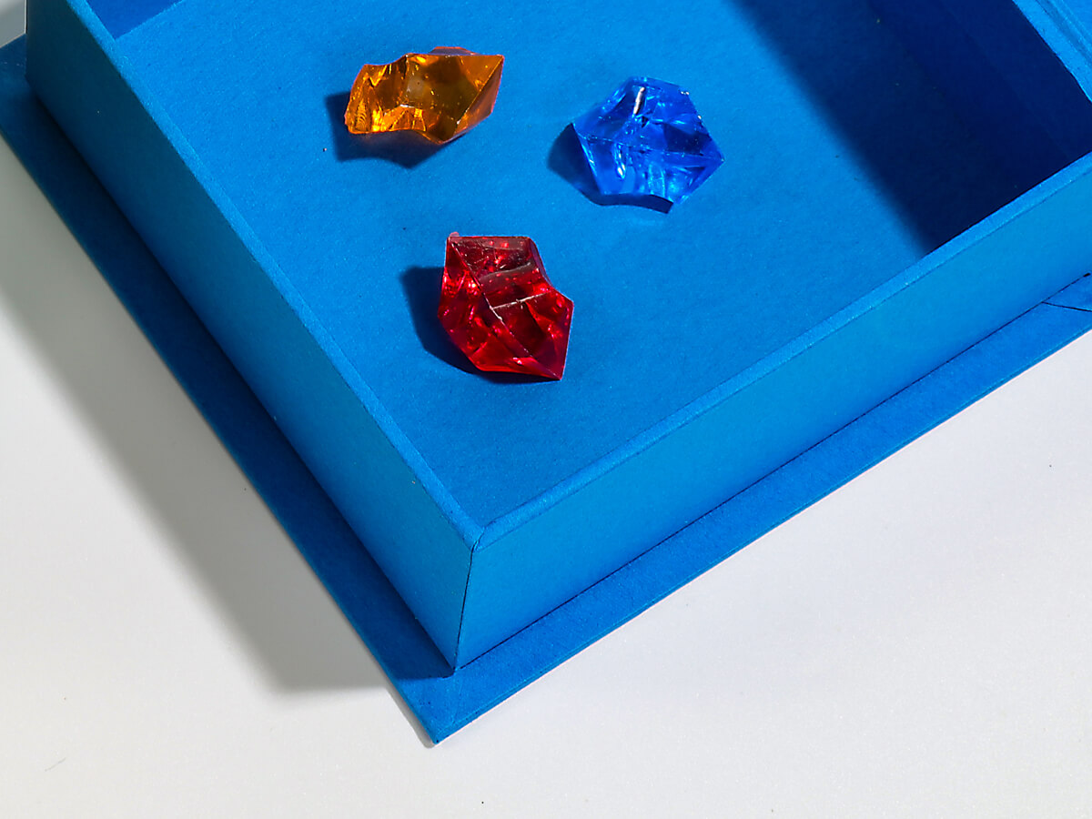 Full Colorful Jewelry Clamshell Packaging Boxes Corner Detail