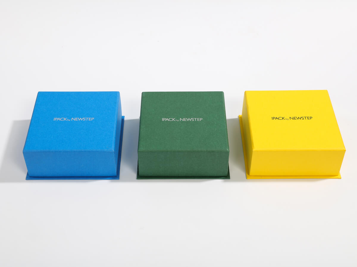 Full Colorful Jewelry Clamshell Packaging Boxes Material Display