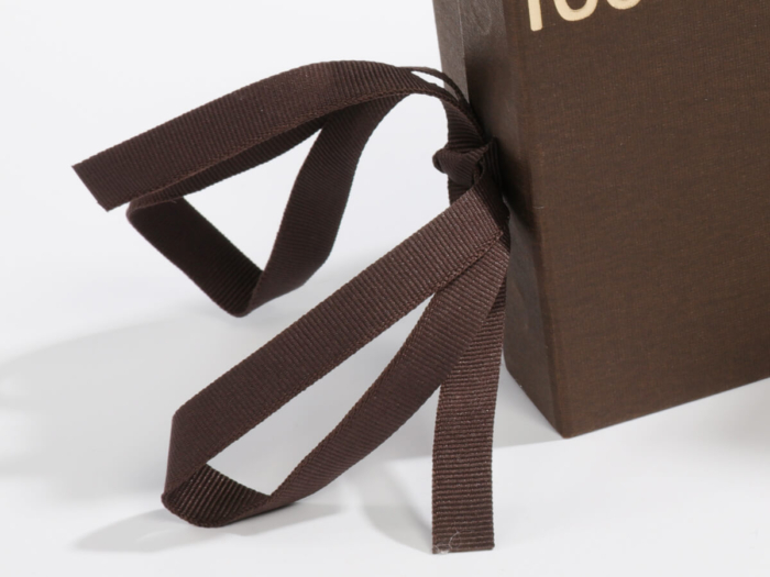 Luxury Garment and Jewelry Packaging Rigid Boxes Ribbons Detail