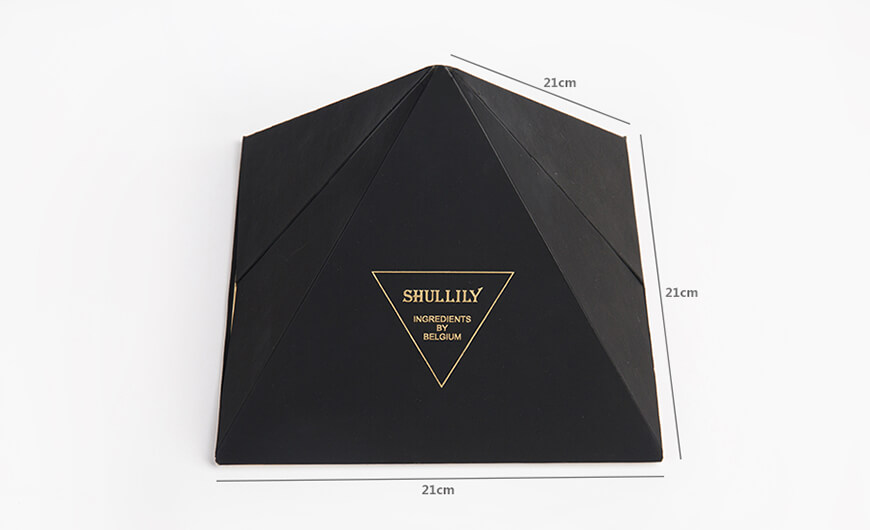 Luxury Pyramid Chocolate Packaging Boxes Size