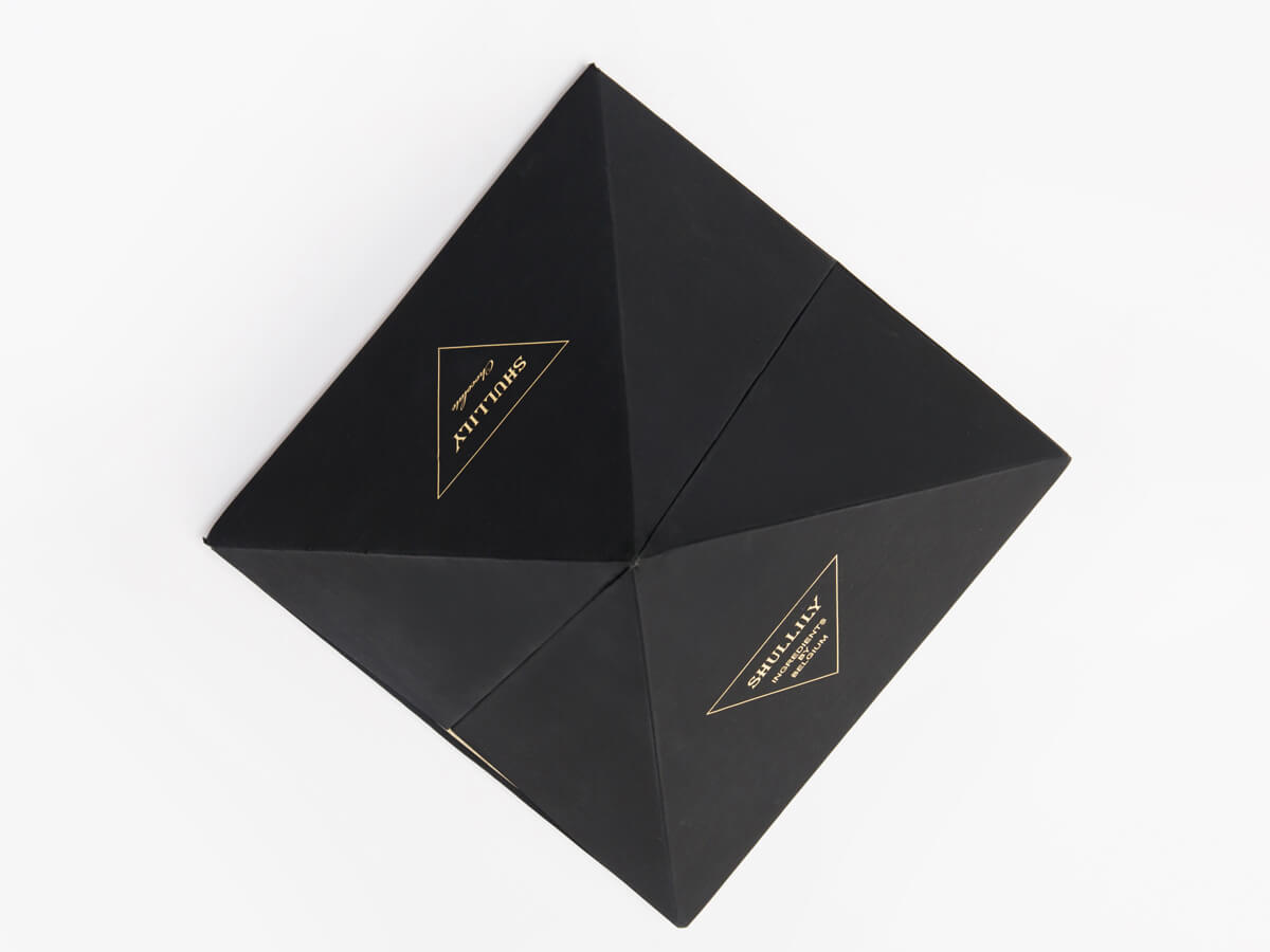 Luxury Pyramid Chocolate Packaging Boxes Top Detail