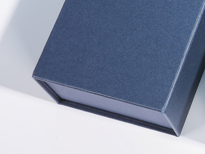 Original Mobile Clamshell Packaging Rigid Boxes Corner Detail