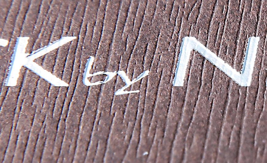 Original Mobile Clamshell Packaging Rigid Boxes Material Embossing Detail