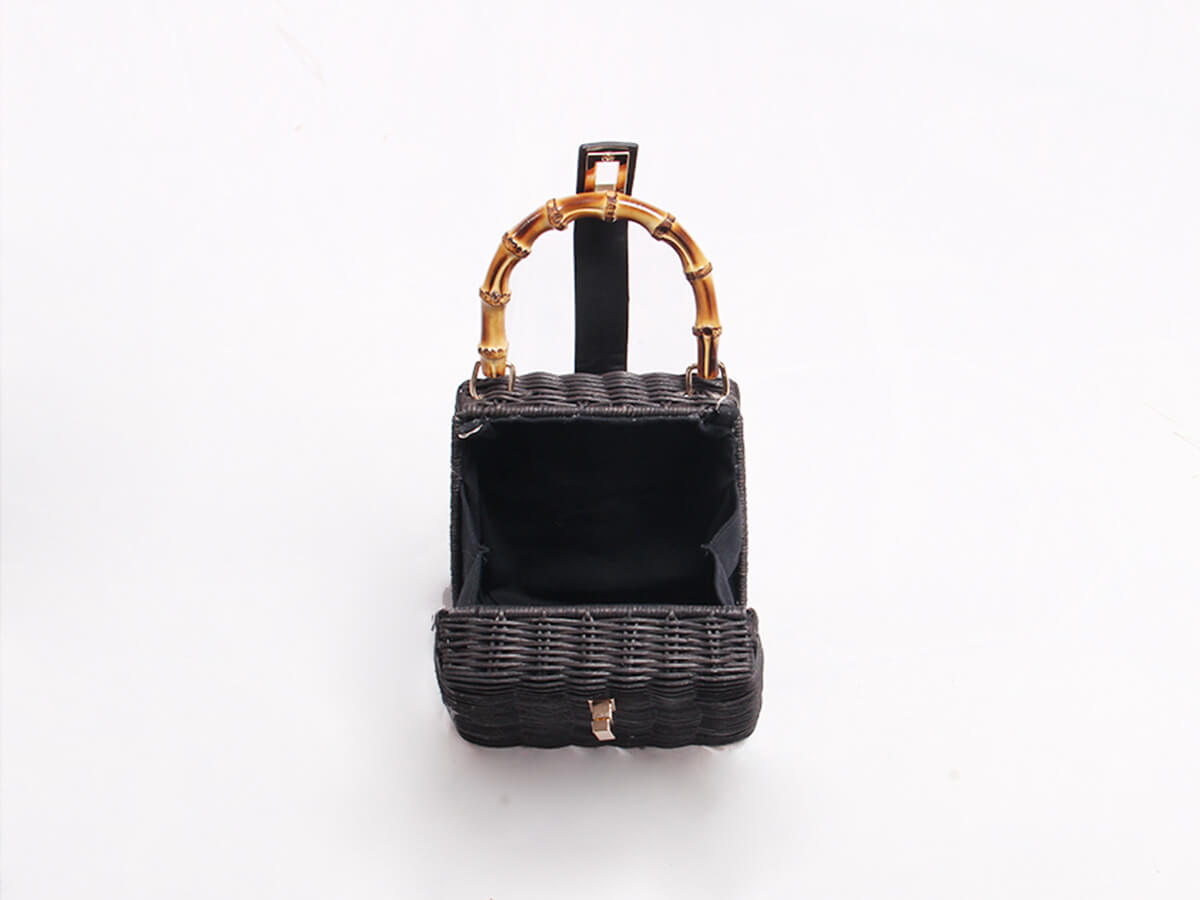 Rattan Handle Bag Open Way and Inside Material