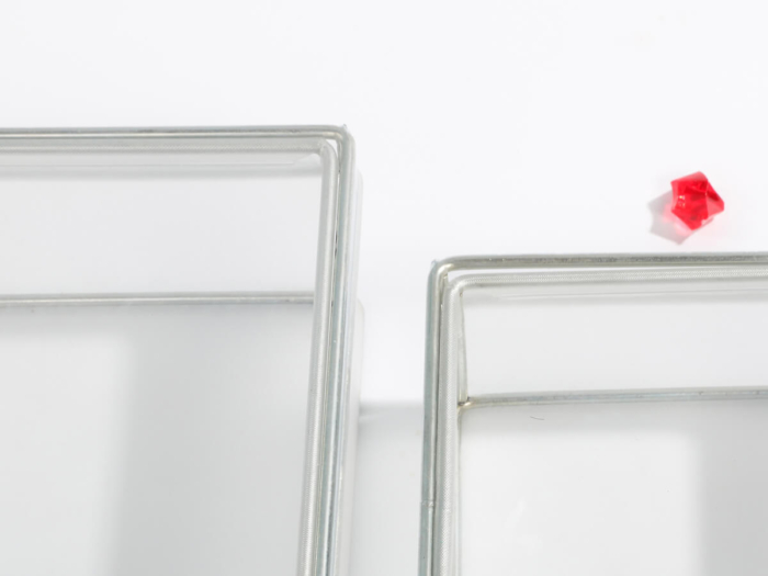Transparent PVC Stainless Steel Structure Packaging Boxes Corner Detail