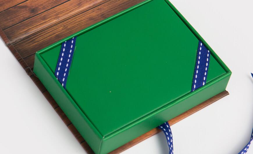 VIP Membership Card Packaging Boxes Lining Material Display
