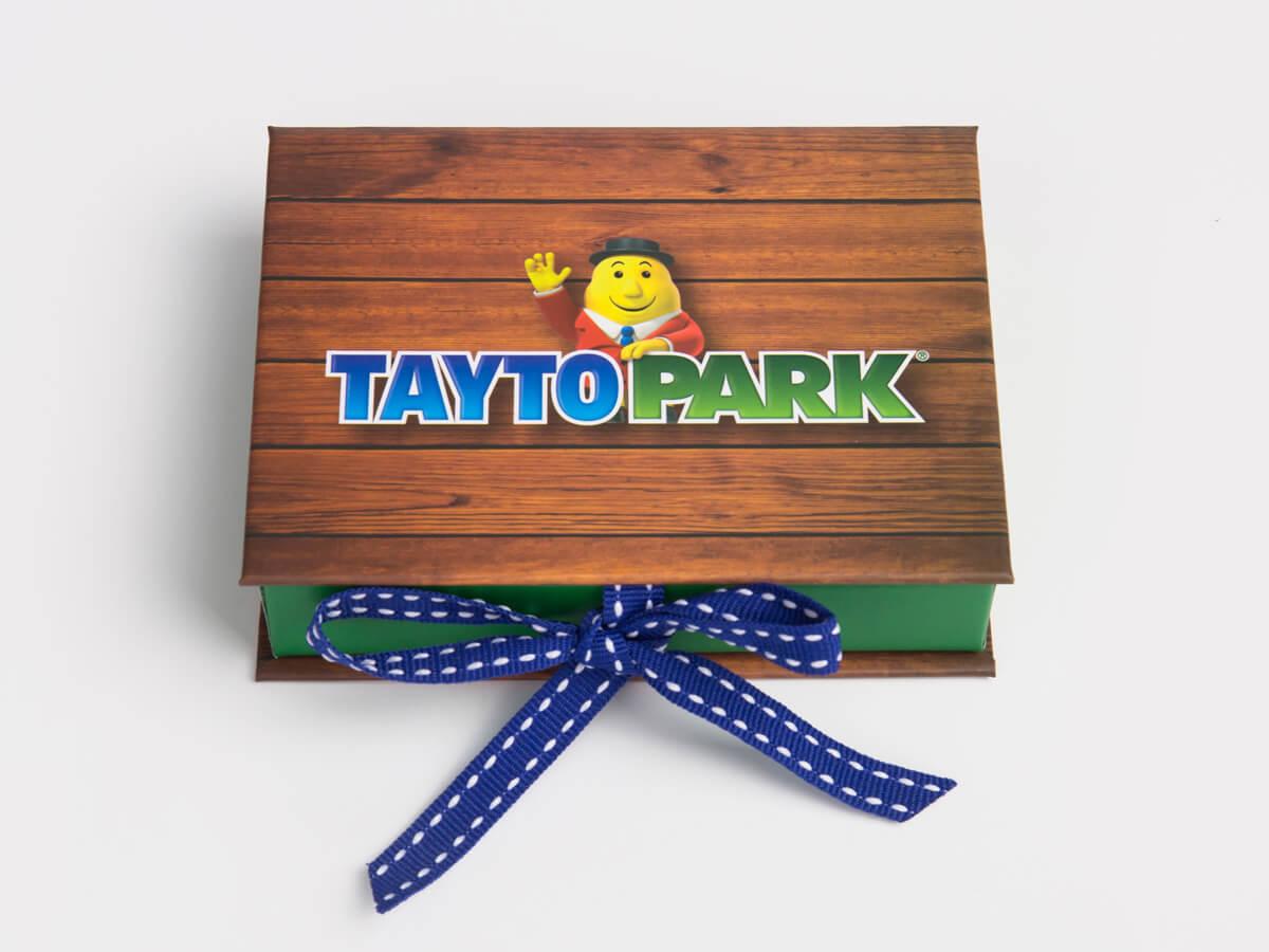 VIP Membership Card Packaging Boxes Material
