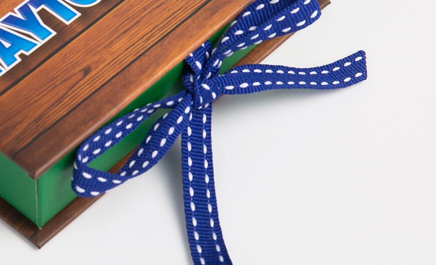 VIP Membership Card Packaging Boxes Ribbons Detail