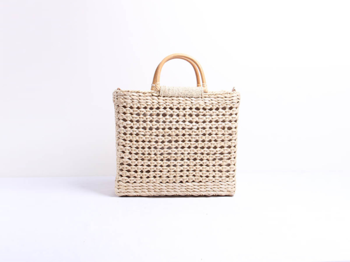 Woven Corn Husk Beach Straw Bag Back Display