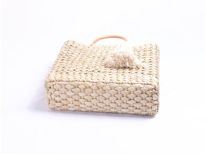 Woven Corn Husk Beach Straw Bag Bottom Detail