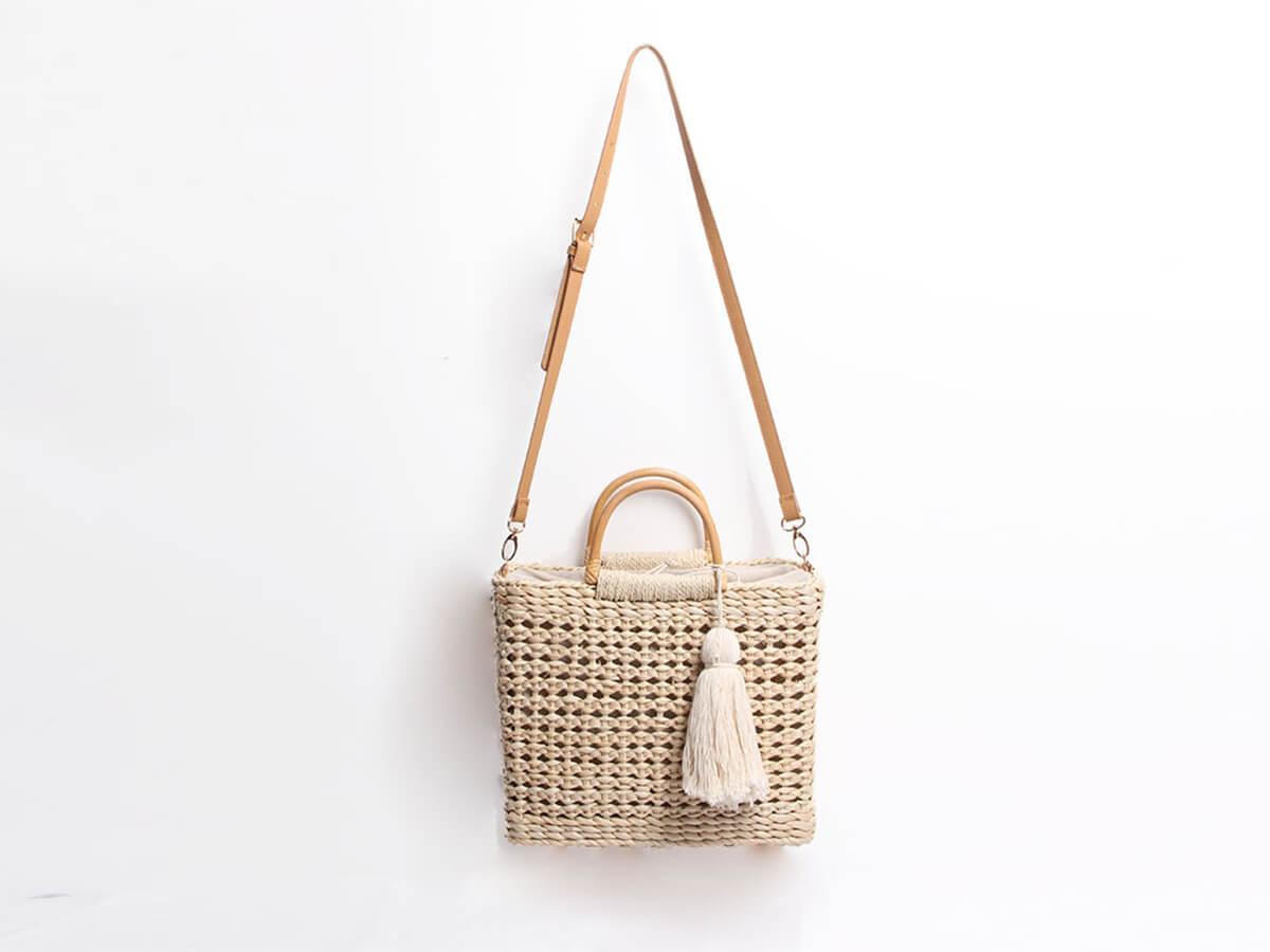 Woven Corn Husk Beach Straw Bag With Tassel