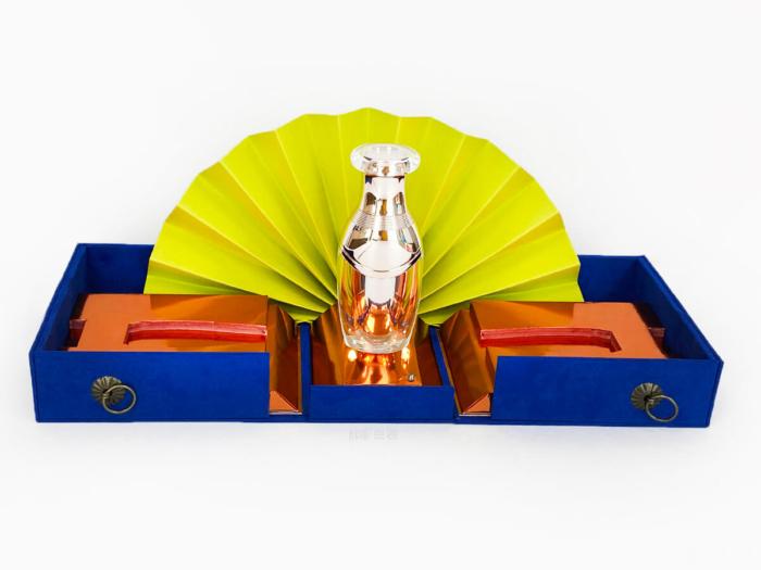Music Cosmetic Gift Box Display