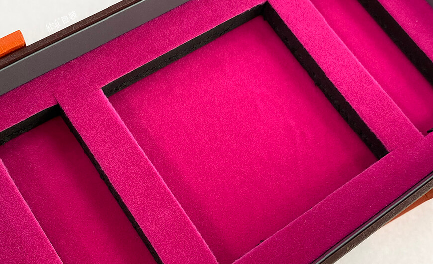 Pull-out Rotating Cosmetic Gift Box EVA Lining